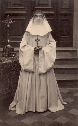 Nuns-habit